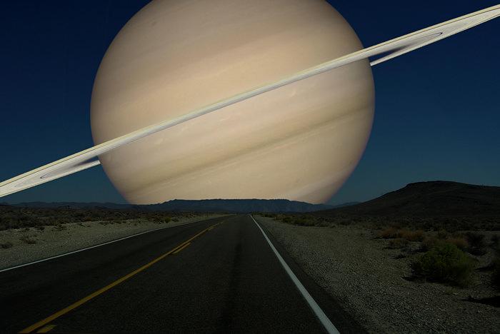 Saturno desde la Tierra en el supuesto que estuviera a la misma distancia que está la Luna de la Tierra